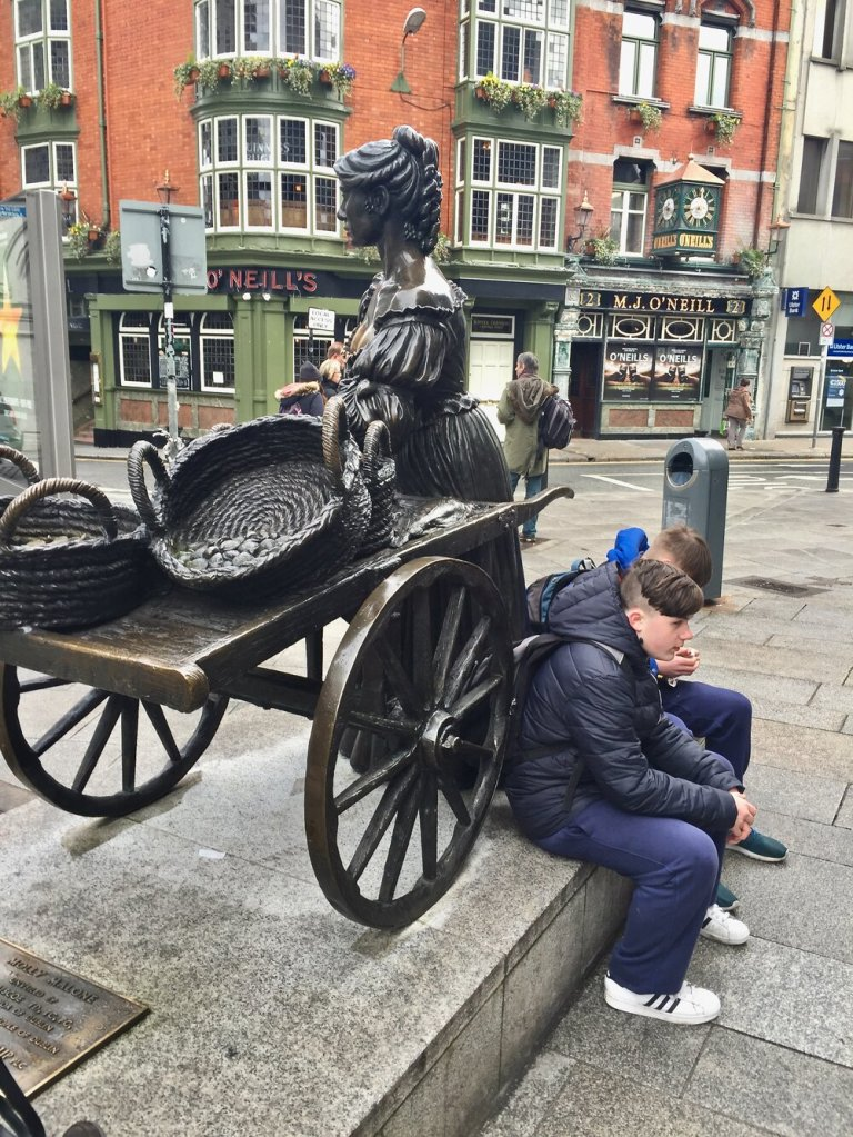 """Molly Malone or """"The Tart with the Cart"""" is now near O'Neil's Pub."""