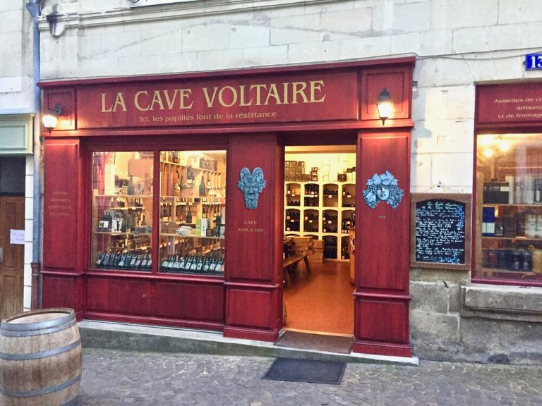 La Cave Voltaire is a great little wine shop in Chinon, France